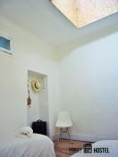 habitación doble de slow city hostel pontevedra
