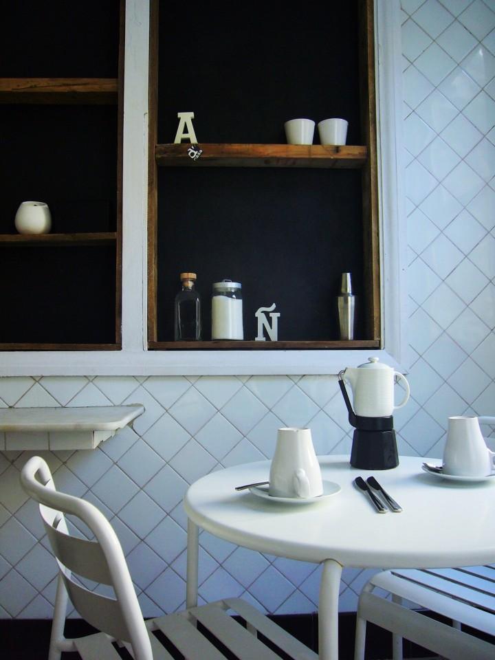 Enjoy your breakfast at Slow City Hostel